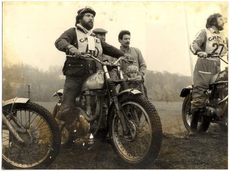 Vieilles photos (pour ceux qui aiment les anciennes photos de bikers ou autre......) Marco_Raymondin