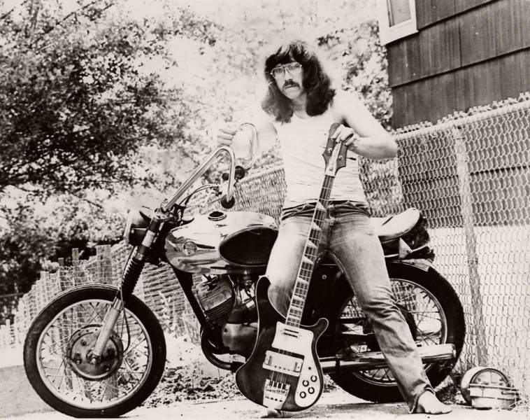 Vieilles photos (pour ceux qui aiment les anciennes photos de bikers ou autre......) Rock_portrait
