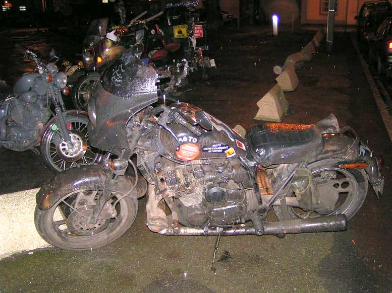 "750 gsxr 86 ""One Eye"" Style - Page 2 Rats_bike"