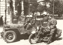 military moto guerre police