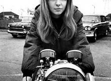 Jane Birkin motarde