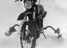 Moto_Skis_Husqvarna_Military