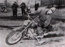 glisse neige moto