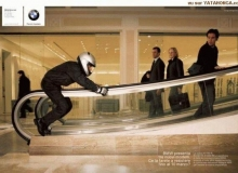 publicite moto bmw escalator