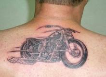 tatouage motard dos