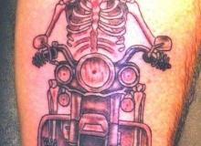 tatouage_motard_skull