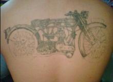 tatouage_motard_vieille_moto