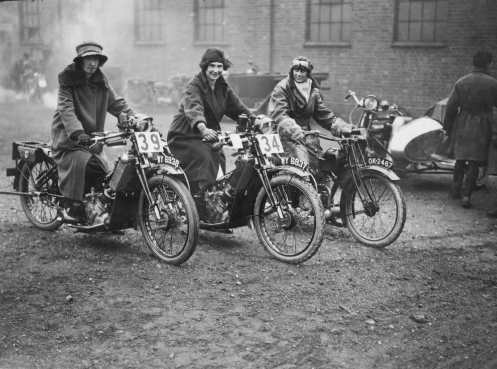 Fantastic Vieilles photos de moto en noir et blanc - FreeBikerBlog PD73