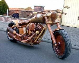 Moto en bois