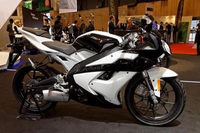 moto-francaise-Peugeot-XR7-2011
